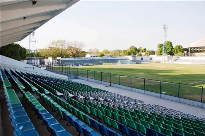 Estádio Lindolfo Monteiro será reaberto neste domingo (20)