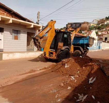 Picos em obras: Prefeitura trabalha para recuperar...