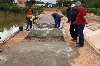 Prefeito Carlos Monte fiscaliza obras na zona rural de...