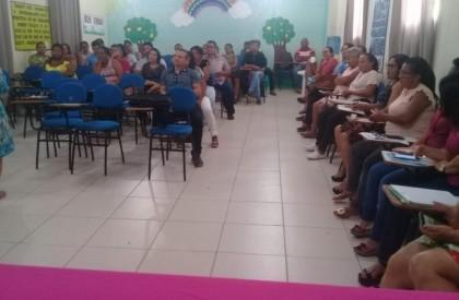 Prefeitura promove encontro de educadores em Barras