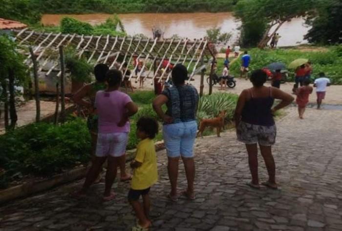 Criança de 5 anos desaparece ao cair em Canindé