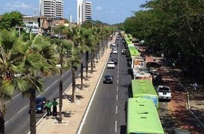 Motoristas e cobradores de ônibus iniciam greve nesta segunda (04)