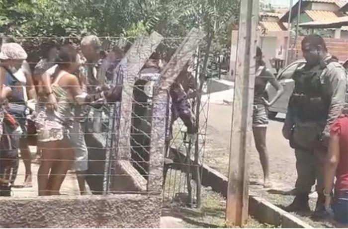 Mulher esfaqueia os próprios filhos em Demerval Lobão