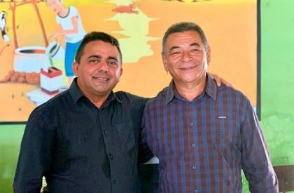 Prefeito empossa Zé Pereira como Secretário de Desenvolvimento Rural