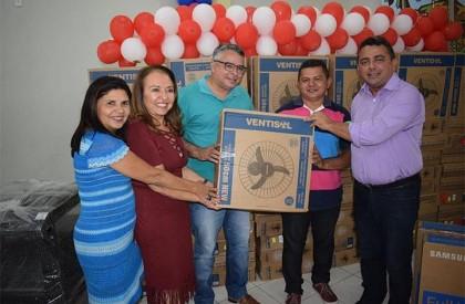 Prefeitura de Campo Maior entrega equipamentos novos para escolas do município