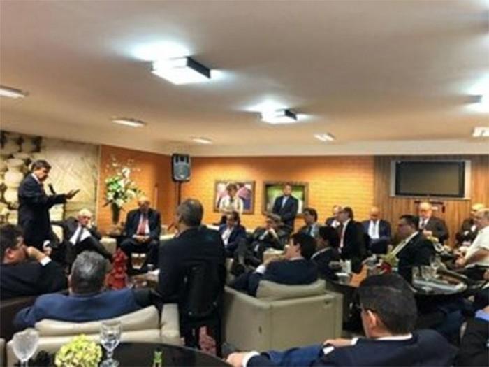 Reforma administrativa: redução de 19 pastas e demissões estão previstas