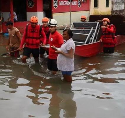 120 famílias estão desabrigadas após chuvas no...
