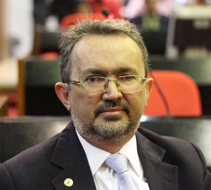 Ex-deputado Antônio Félix filia-se ao MDB e disputará vaga de vereador emTeresina