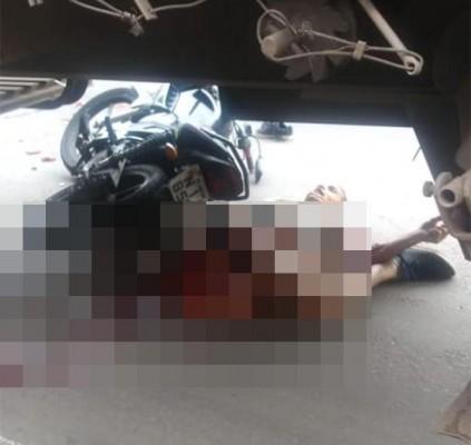 Homem morre após ser atropelado por carreta...