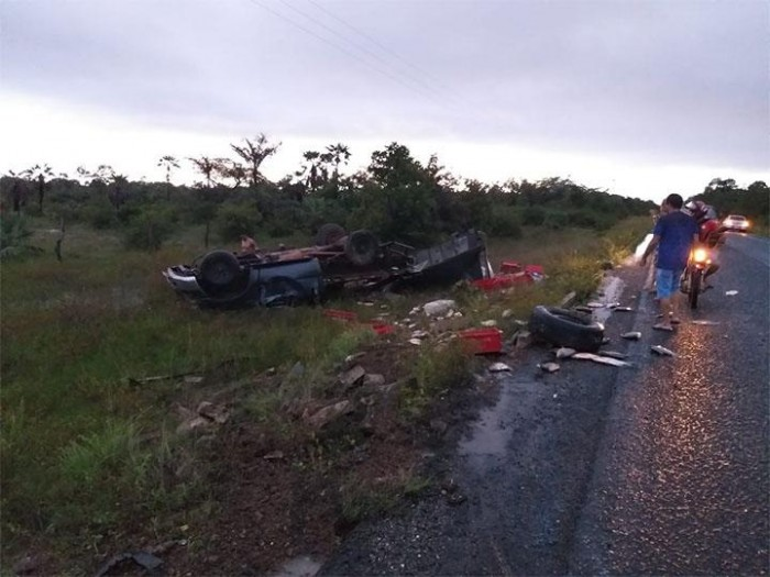 Motociclista morre após colisão frontal em José de Freitas
