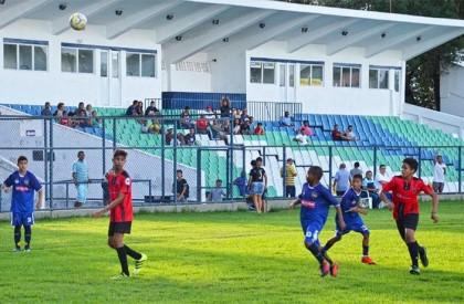 Semifinais da Taça Teresina de Futebol Sub 13 acontecem neste sábado (30)