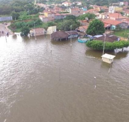 Água invade tradicional ponto turístico de Piracuruca