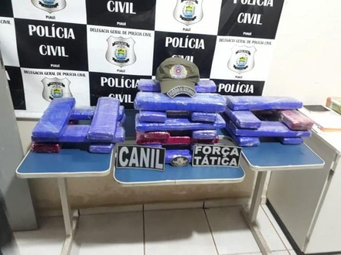 Mulher é presa com 26 tabletes de maconha na rodoviária de Picos