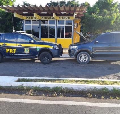 PRF e PM prende homem recupera veículo...
