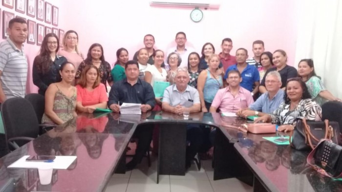 Concurso: Prefeito de Barras empossa 24 pessoas para o Hospital Leônidas Melo