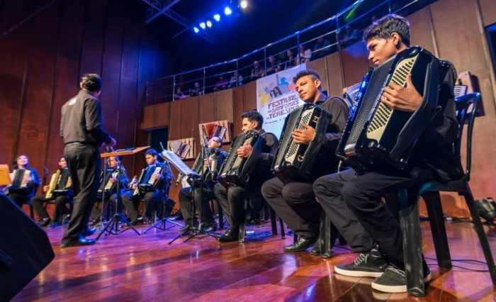 Orquestra Sanfônica Seu Dominguinhos celebra clima junino domingo (16)