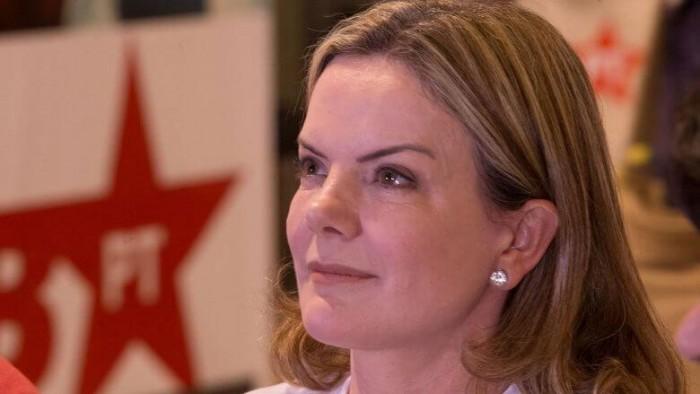 Deputada Gleisi Hoffmann é reeleita presidente do PT