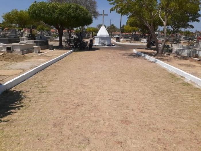 Prefeitura de Campo Maior intensifica limpeza e manutenção dos cemitérios para o Dia de Finados