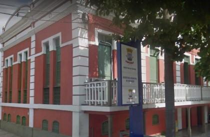 Justiça manda suspender concurso para professor da Semec