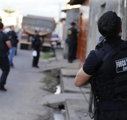 Polícia Civil cumpre mais de 20 mandados...