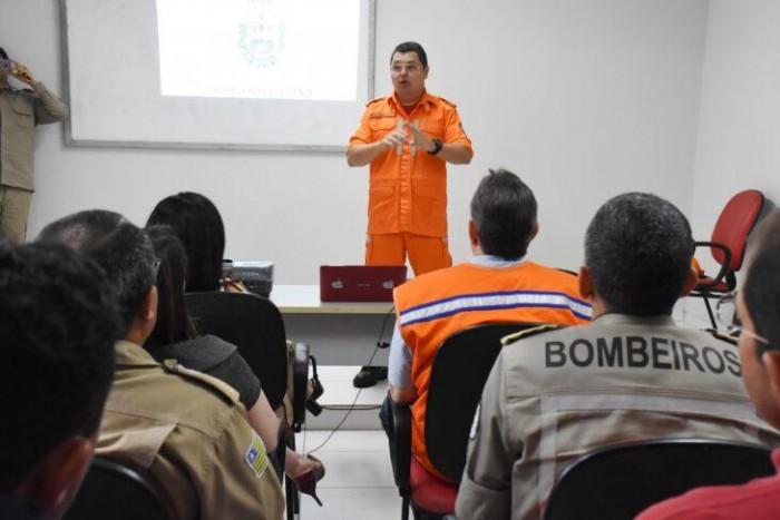 Defesa Civil e Bombeiros listam municípios com maior risco de enchente e define estratégias
