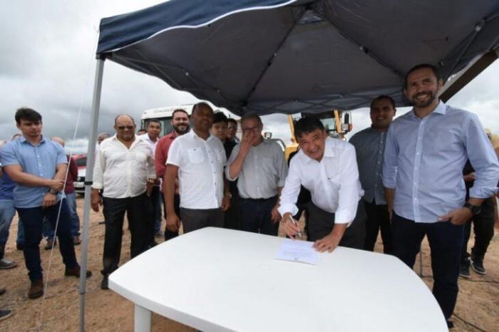 Governo entrega obras e anuncia ensino superior em Pavussu
