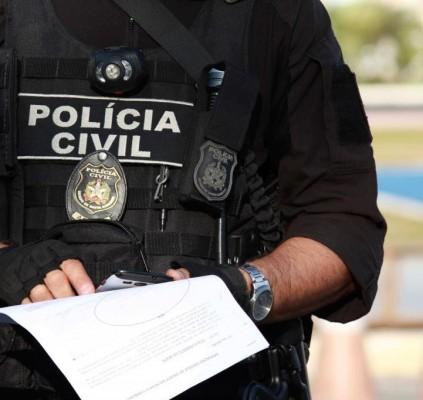 Polícia cumpre 14 mandados de prisão no...