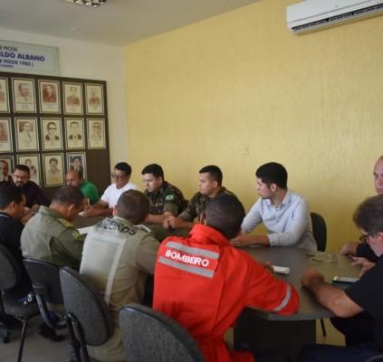 Prefeitura de Picos discute ações preventivas para...
