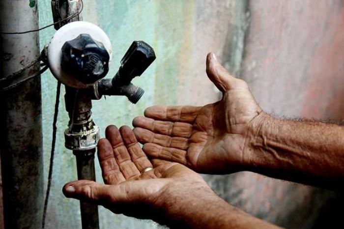 Raio provoca falta de água em mais de 10 bairros de Teresina