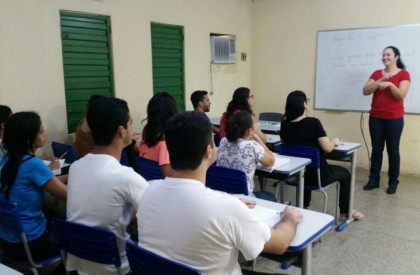 Governo do Piauí estabelecerá valor de R$ 3.167 como piso dos professores no Estado