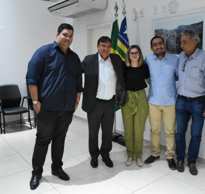 Maria Santana se reúne com o governador...