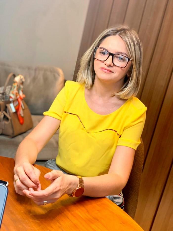 Maria Santana anuncia saída do PT e fecha com PL para a prefeitura de Picos