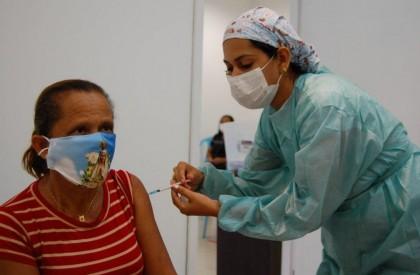 Teresina inicia agendamento para vacinação contra a covid de pessoas de 40 anos