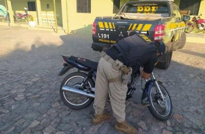 Homem é preso pela PRF com veículo tomado de assalto há quase dezesseis anos