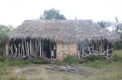 Idoso é encontrado vivendo em situação desumana e totalmente isolado, no Piauí