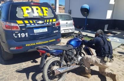 Moto roubada há dez anos é recuperada pela PRF no Piauí