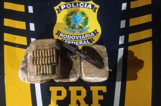 PRF apreende arma, munições e Pasta Base de Cocaína na BR 343 avaliada em R$ 900 Mil
