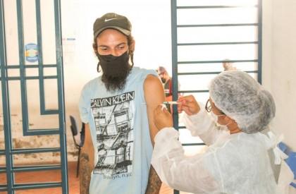 Teresina inicia vacinação contra Covid-19 na população em situação de rua