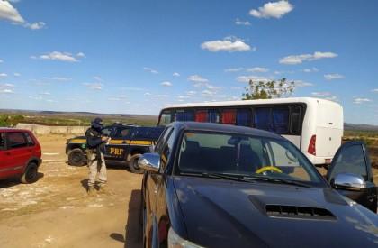 PRF apreende Pick Up com mais de R$ 22 mil em débitos, conduzida por condutor com CNH vencida