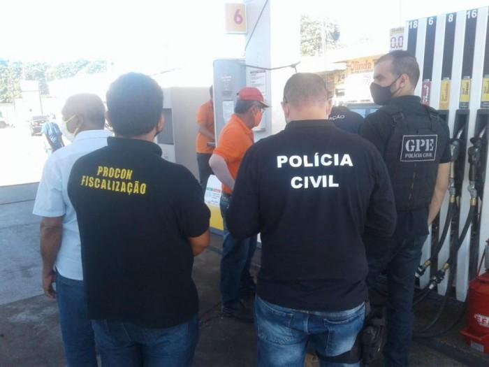 Procon fiscaliza e constata irregularidades em postos de combustíveis em Teresina