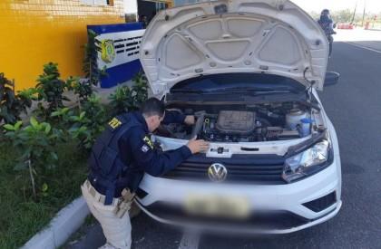 Mulher é presa na BR 343 com veículo clonado