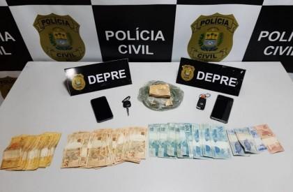 Polícia Civil faz busca, apreende drogas e recupera veículo...