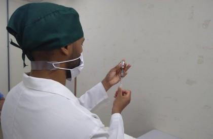 Teresina amplia vacina Covid para população de 33 a 37 anos por meio de agendamento