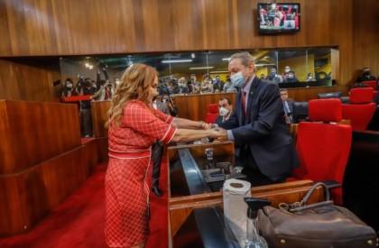 Flora é eleita nova conselheira do Tribunal de Contas do Estado do Piauí